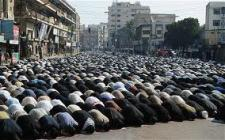 Muslims Block Roads in New York While They Pray