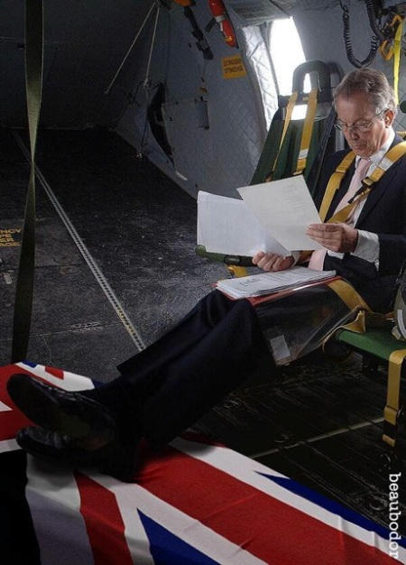 Tony Blair Disrespects A Dead Serviceman and the flag!