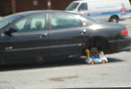 Flat tyre and no spare! This driver found a solution with a child's toy.