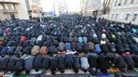Muslims Block Roads At Prayer Time