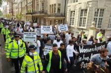 A Muslim Demonstration Even Gets A Police Escort!!!