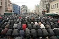 Muslims Take Over The Streets To Pray